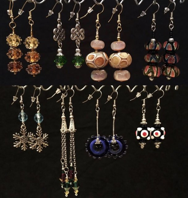 """Holiday Handmade Earrings"" #1218-09"